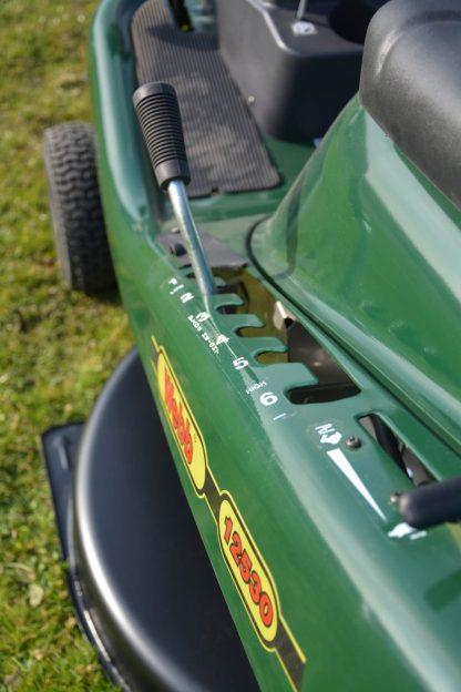 WE12530 Ride-on Lawnmower Height Adjuster